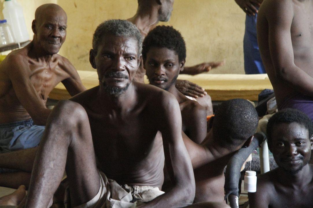 Die Krankenstation des Nationalgefängnisses von Haiti ist geprägt von Insassen mit Cholera und Tuberkulose. Pro Monat sterben dort drei bis vier Men... - Bildquelle: Quicksilver Media MMXVI