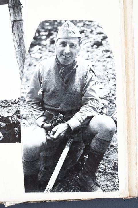 Als amerikanische Truppen im Zweiten Weltkrieg gegen die Japaner kämpfen, ist der britische Journalist William Courtenay (Foto) mit dabei. Mit einer... - Bildquelle: Paul Courtenay