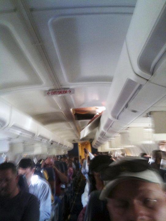 Wenn bei der Wartung etwas übersehen wird, kann das fatale Folgen haben. Gelegentlich gelingt es den Piloten, den Flieger trotz eines Problems noch... - Bildquelle: Brenda Reese