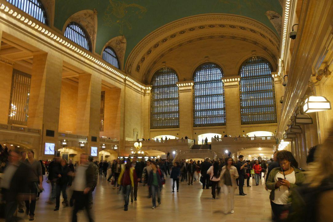 Viele Touristen wollen bei einem New York City Besuch unbedingt einen Blick in das Grand Central Terminal werfen. Auch wenn sie beeindruckt von dem... - Bildquelle: Indigo Films/ DCL
