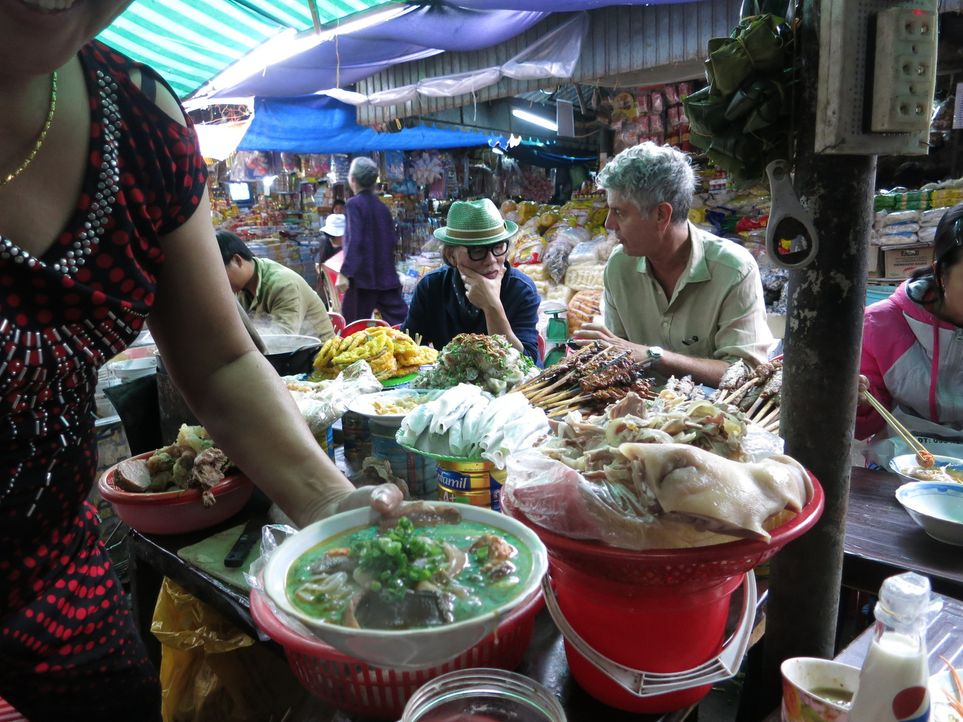Auf seiner kulinarischen Reise um den Globus erkundet Anthony Bourdain Zentral-Vietnam ... - Bildquelle: 2014 Cable News Network, Inc. A TimeWarner Company All rights reserved