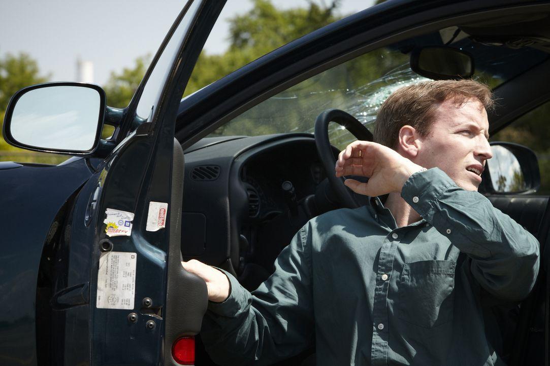 Verstecken ist zwecklos: Als der 33-jährige Bob Henry (Robert Notman) an seinem Arbeitsplatz in Tacoma, Washington von einem Auftragskiller angescho... - Bildquelle: Ian Watson Cineflix 2013