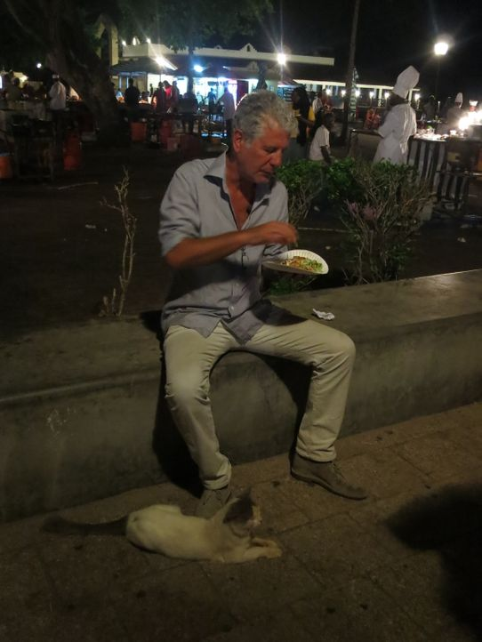 Auf seiner kulinarischen Reise um den Globus erkundet Anthony Bourdain Sansibar. Ein ganz besonderes Abenteuer wartet auf ihn ... - Bildquelle: 2014 Cable News Network, Inc. A TimeWarner Company All rights reserved