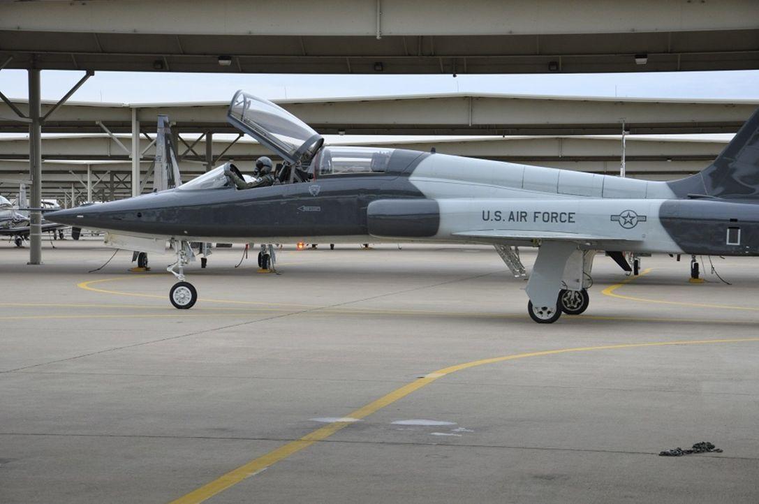 Jeder Pilot, der in die Weltelite seiner Berufsklasse aufsteigen will, muss ... - Bildquelle: Exploration Production Inc.