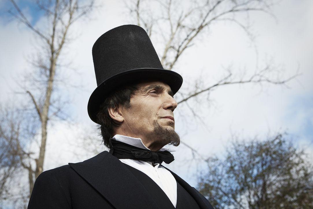Bis zur Präsidentschaftswahl von 1860 hatte Lincoln (Darsteller unbekannt) nie ein hohes Staatsamt bekleidet und seine Erfahrungen in Washington bes... - Bildquelle: 2015 Cable News Network, Inc. A TimeWarner Company. All rights reserved