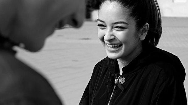 Beim Lachen verändert sich nicht nur der Mund, sondern auch die Augenpartie –...